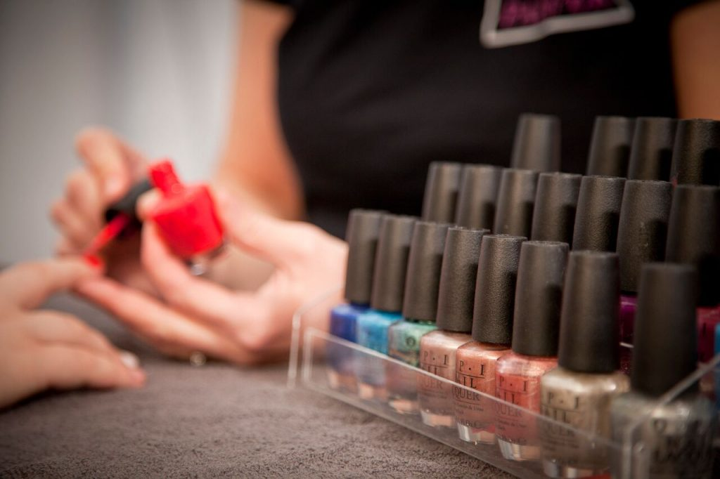 Pop Up Nail Bar Garden Party