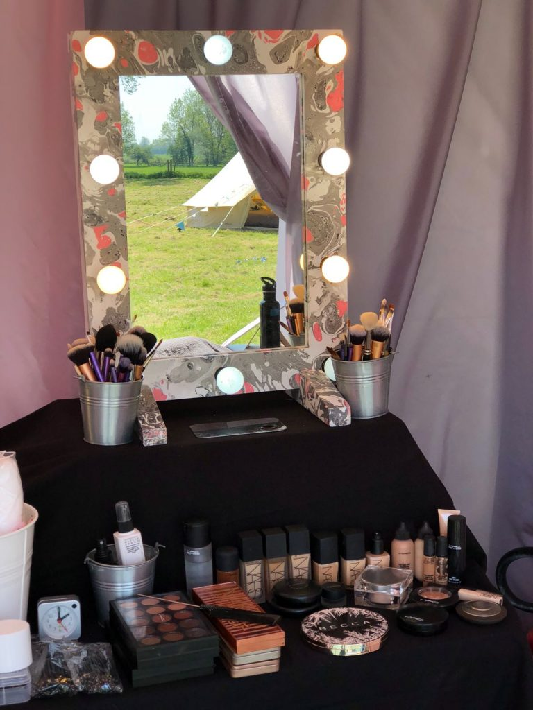 Pic mirror and tent