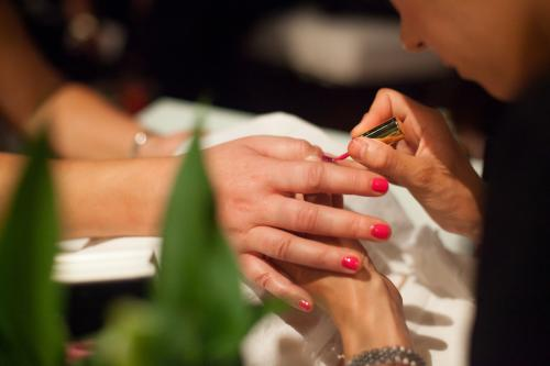 Pop up Nail Bar